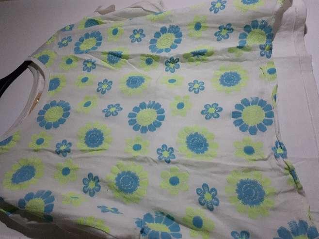 Imagen producto Camisa con flores  1