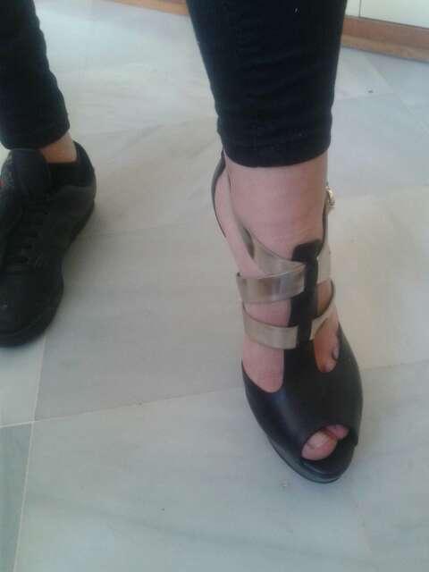 Imagen zapatos GUESS