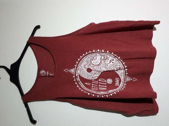 Imagen camisa granate