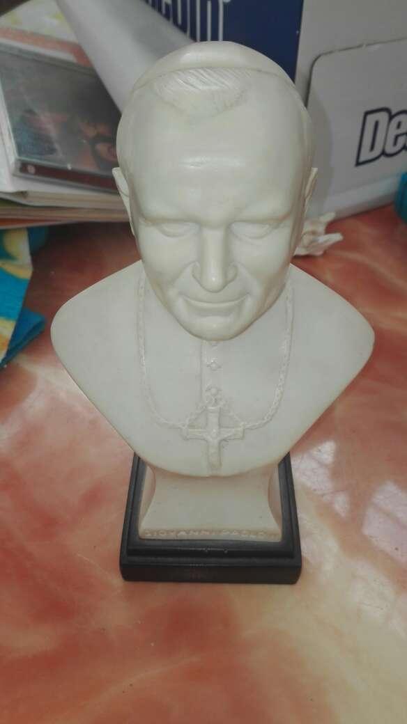 Imagen Juan Pablo II busto con pedestal