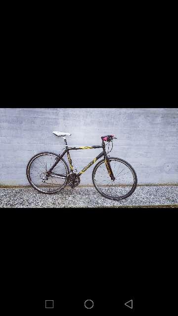 Imagen vendo bicicleta de carretera norta buen estado para más información no dudes en hablarme al chat la vendo por el simple hecho que quiero una de montaña para el campo.