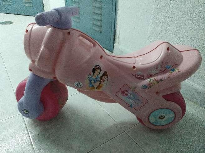 Imagen Moto Disney