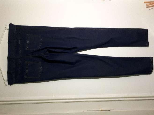 Imagen pantalon azul oscuro
