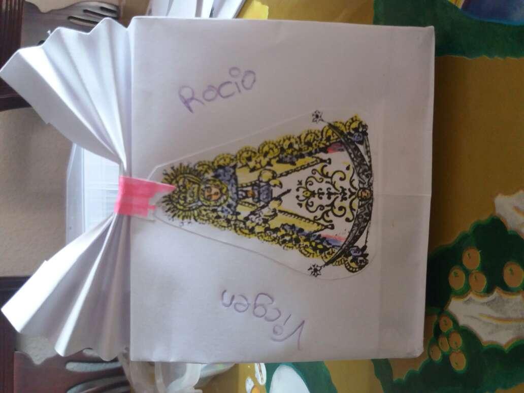 Imagen bolsita de la Virgen del Rocío + complementos