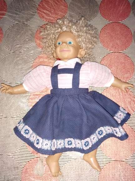 Imagen muñeca artesana antigua