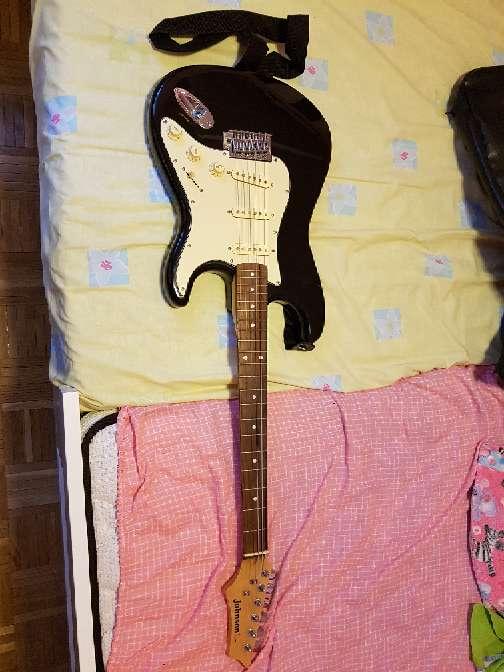 Imagen guitarra eléctrica + amplificador