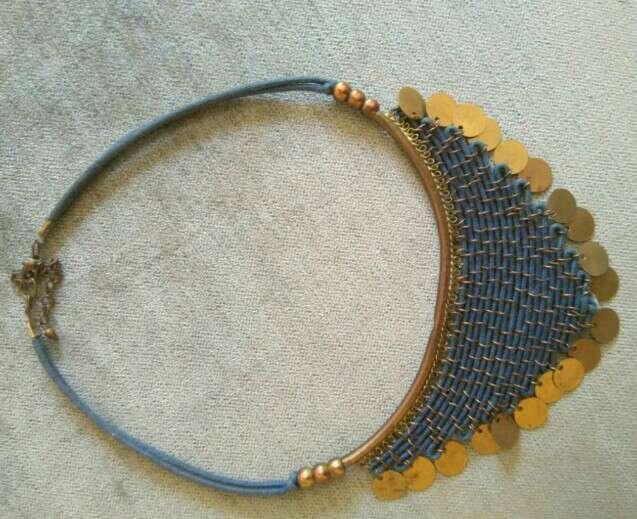 Imagen Collar azul y dorado