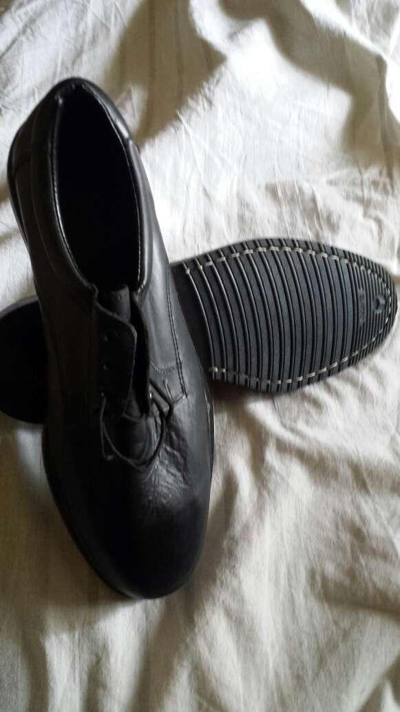 Imagen zapatos cuero 44
