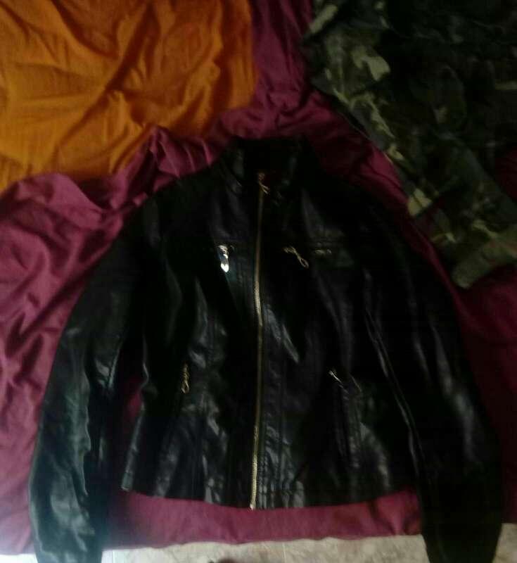 Imagen producto Vestido y chaqueta de cuero  2