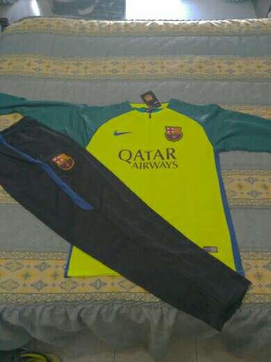 Imagen chandal entrenamiento Barcelona