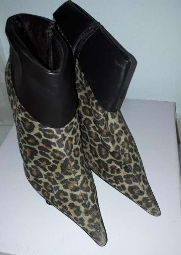 Imagen producto Botines De Leopardo 2