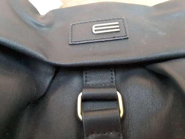 Imagen producto Bolso de color negro  4