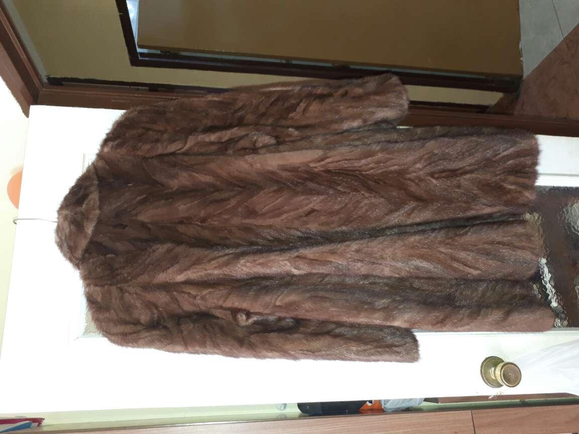 Imagen abrigo tres cuartos vison