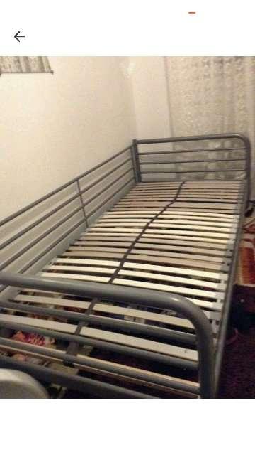 Imagen cama de metal