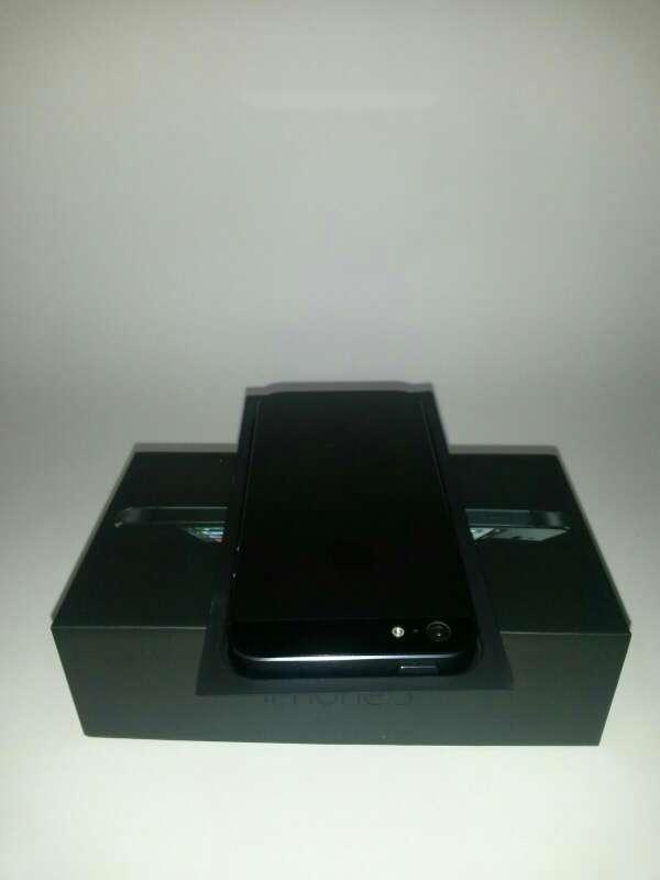 Imagen producto Iphone 5 black nueva 3