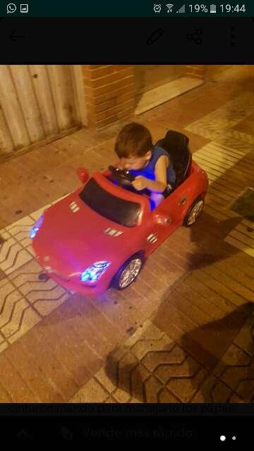 Imagen coche s bateria con mando