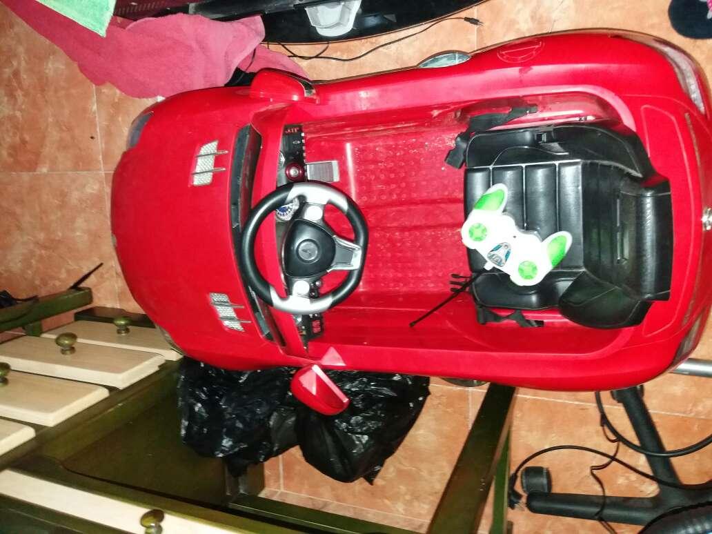 Imagen producto Coche s bateria con mando 2