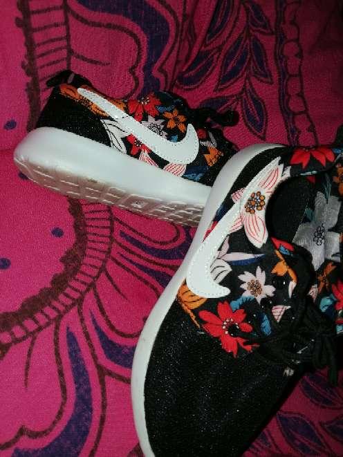 Imagen Zapatillas 39 colores