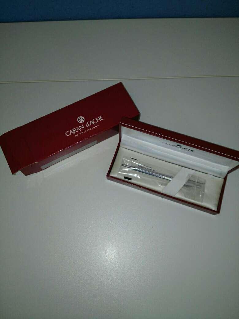 Imagen bolígrafo de lujo plata y vanadio