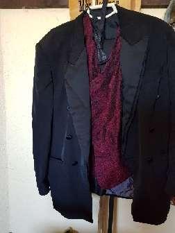 Imagen traje con pajarita y chaleco