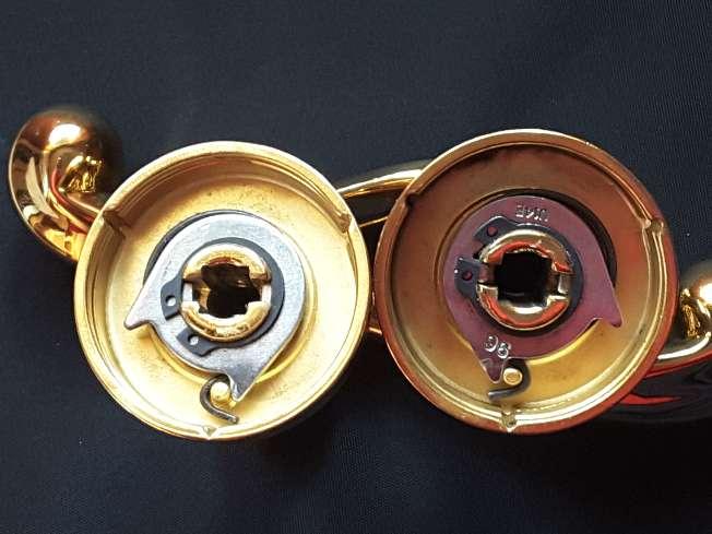 Imagen producto Manillas de puerta doradas 4