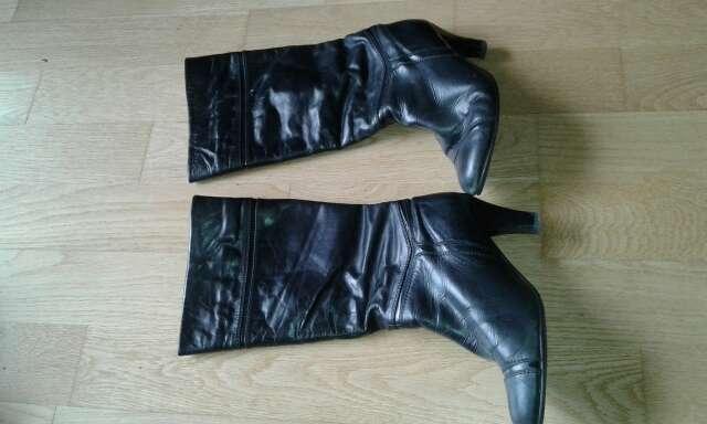 Imagen producto Botas de color negro 2