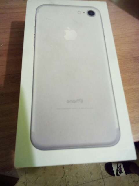 Imagen producto Iphone 7 normal  Color gris  3