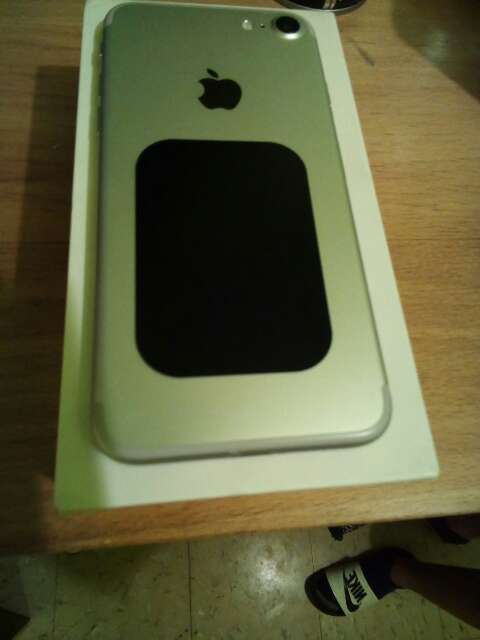 Imagen producto Iphone 7 normal  Color gris  2