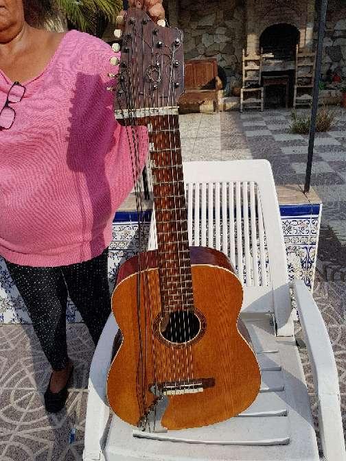 Imagen producto Vendo guitarras de colección  3