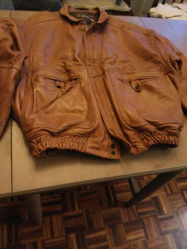Imagen chaqueta de cuero de primera calidad