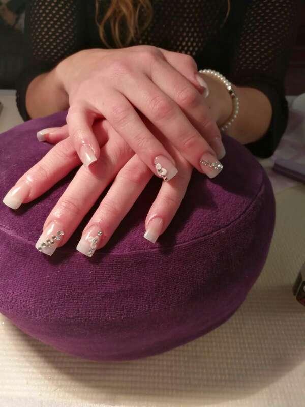Imagen producto Hago uñas acrilicas 5