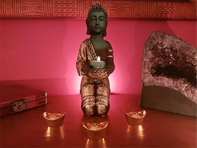 Imagen producto Buda Portavelas 28 cm color oro 5