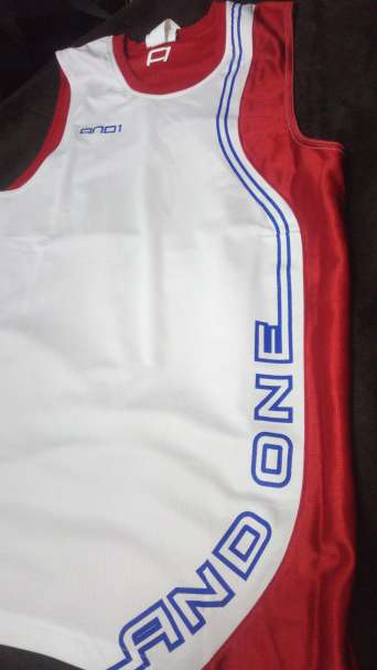 Imagen producto Camiseta baloncesto and one 2