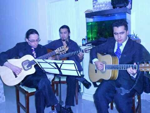 Imagen producto Trio Tradicional Música de Cuerda Latinoamericana. Serenatas y Show en Vivo para escenarios grandes o pequeños. 4
