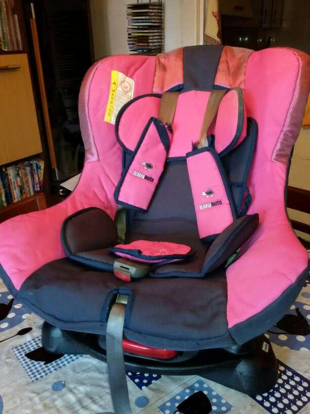 Imagen silla infantil y alza para coche