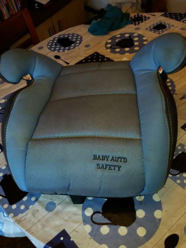 Imagen producto Silla infantil y alza para coche 2