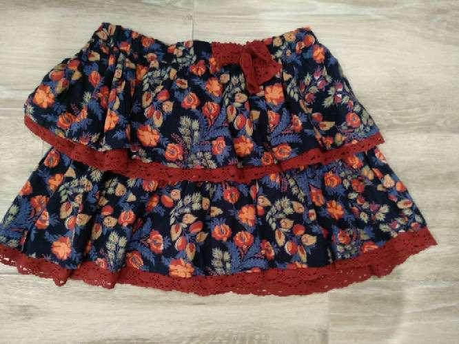 Imagen falda de vuelo de flores