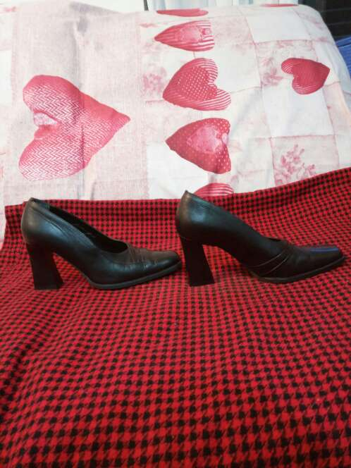 Imagen producto Zapatos piel tacón y punta cuadrada 2