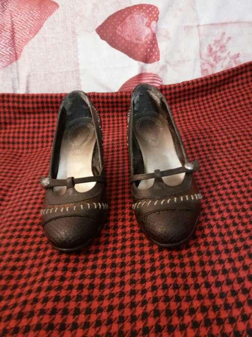 Imagen producto Zapatos cuña piel 1