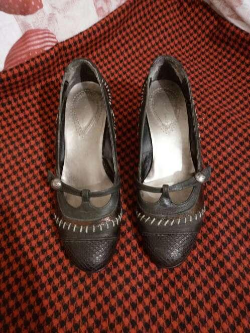 Imagen producto Zapatos cuña piel 4