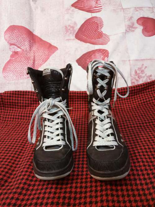 Imagen Zapatillas Many&Many plateadas
