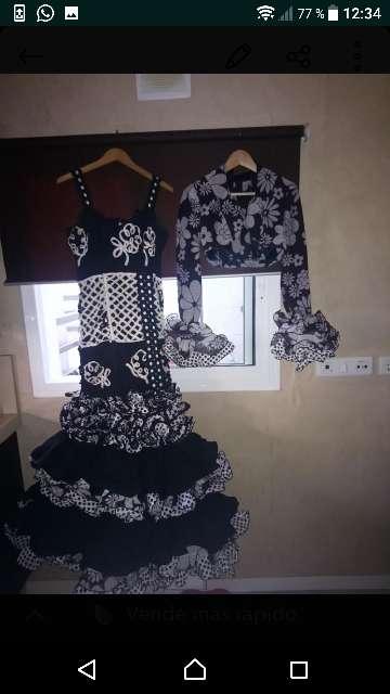 Imagen Vestido de flamenca con chaqueta a juego