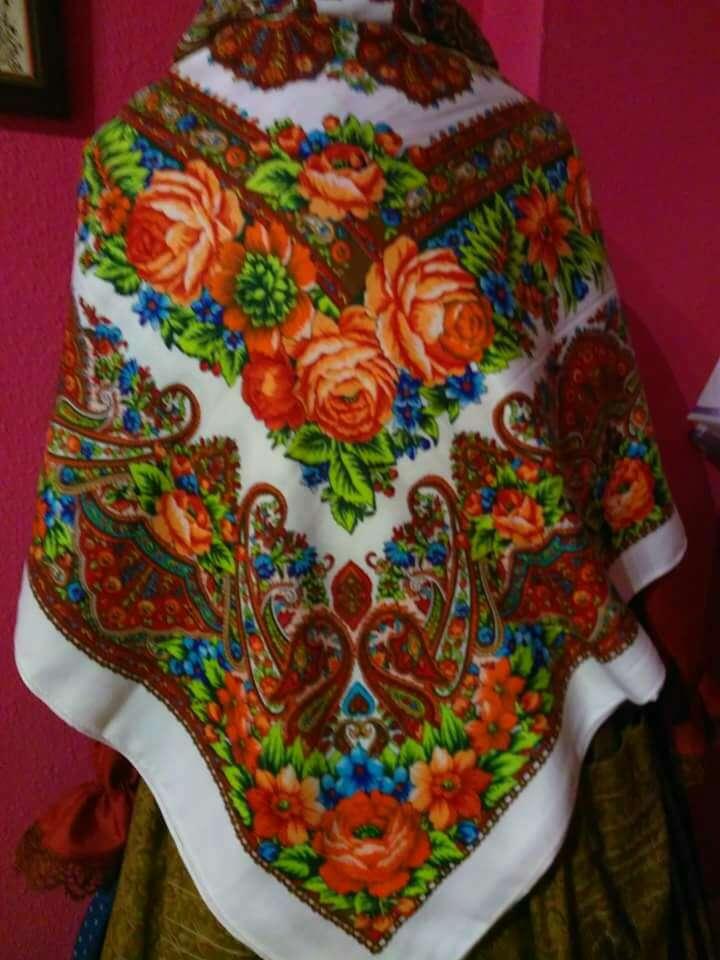 Imagen manton pañuelo regional