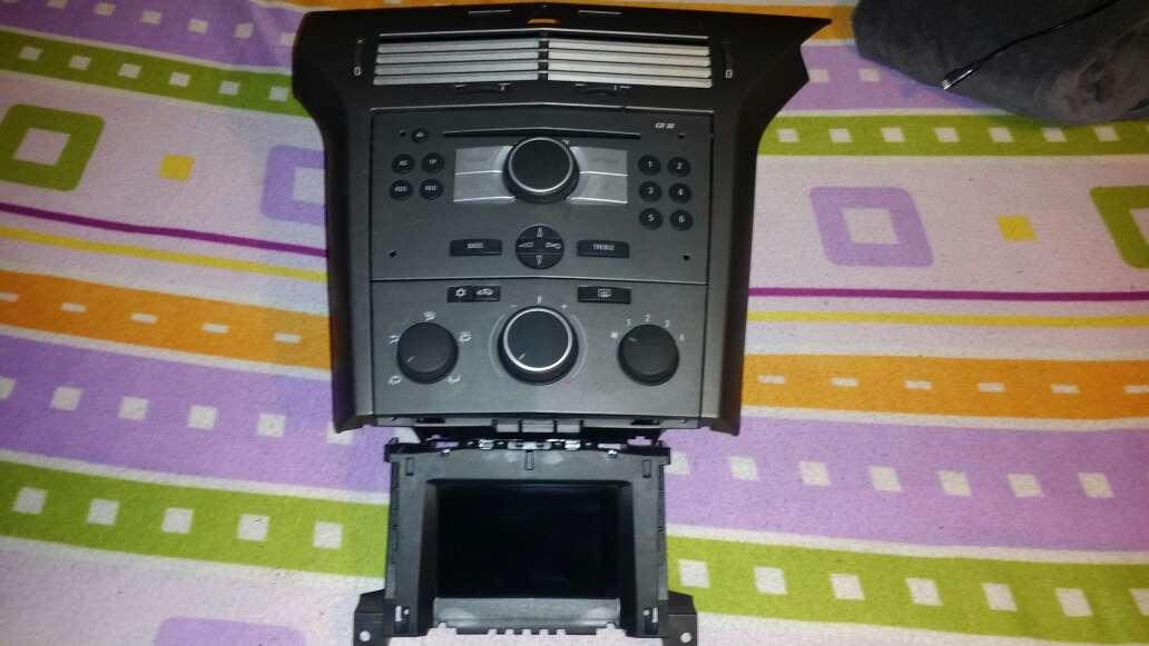 Imagen Consola central completa Astra h