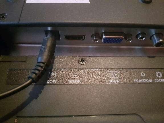 Imagen producto Vendo tele con tnt incluido marca Aki 2