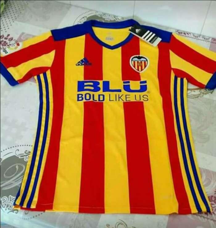 Imagen Camiseta Valencia CF , talla L