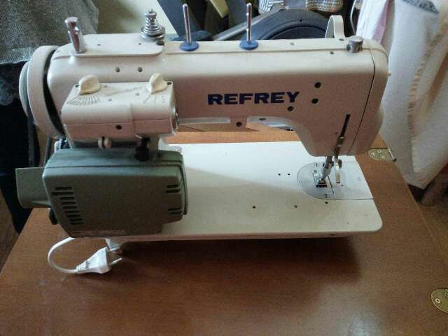 Imagen Máquina de coser refrey