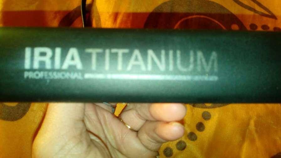 Imagen producto Plancha de pelo iria titanium y acondicionador volumen irresistible 2