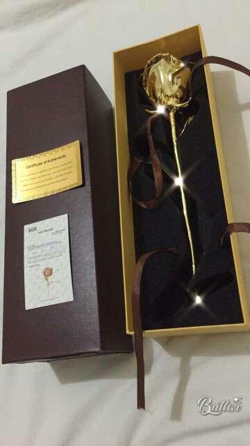 Imagen producto Rosa bañada en oro de 24k 1
