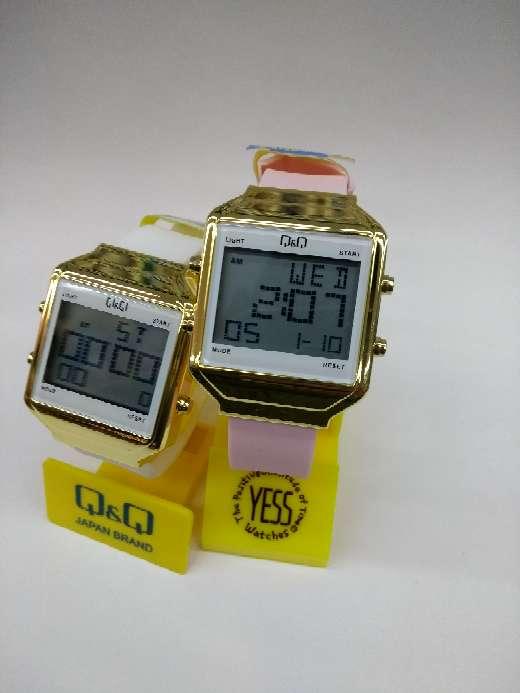 Imagen Reloj QyQ Digital para Mujer . Oferta